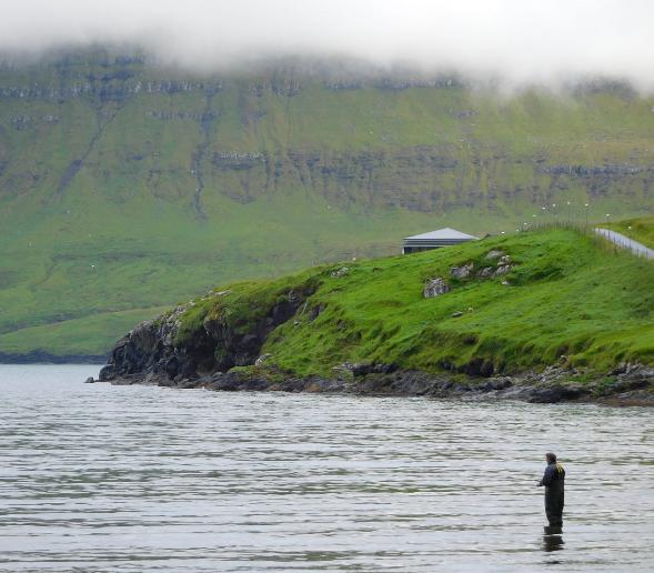 Fischermann auf den Färöer by MHZ